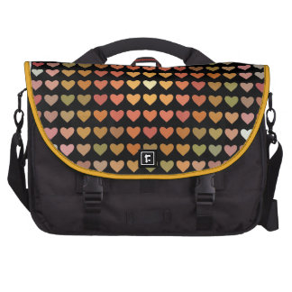 Corazones multicolores en negro bolsas de ordenador