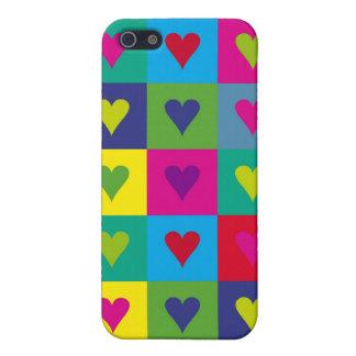 Corazones multicolores iPhone 5 coberturas