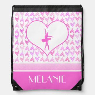 Corazones personalizados de la acuarela del rosa mochilas