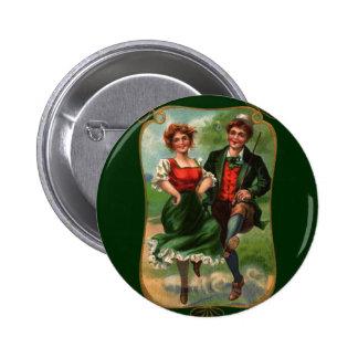 Corazones por completo del botón de la alegría pin