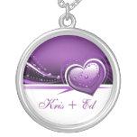 corazones púrpuras brillantes collares