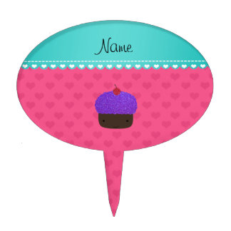 Corazones púrpuras conocidos personalizados del figura de tarta