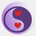Corazones púrpuras de Yin Yang Etiquetas Redondas