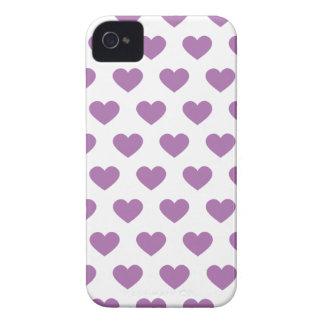 Corazones púrpuras del lunar de la orquídea Case-Mate iPhone 4 fundas