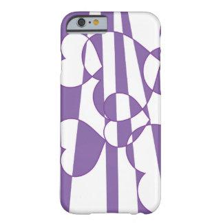 Corazones púrpuras funda barely there iPhone 6