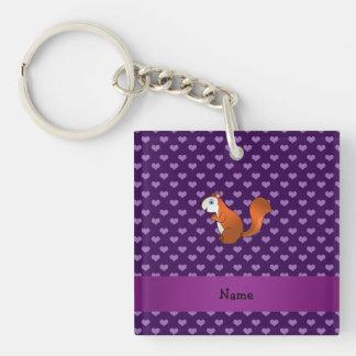 Corazones púrpuras personalizados de la ardilla llavero cuadrado acrílico a doble cara