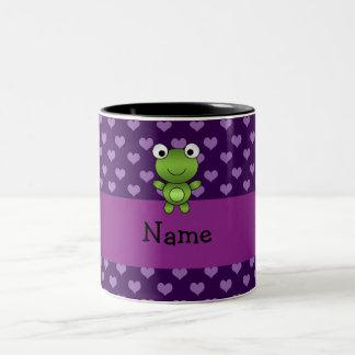 Corazones púrpuras personalizados de la rana conoc taza de café