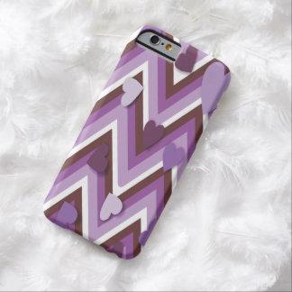 Corazones púrpuras y Cheverons Funda Barely There iPhone 6