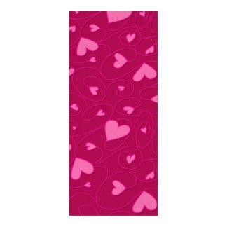 """Corazones rizados rosados invitación 4"""" x 9.25"""""""