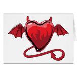 Corazones rojos del amor de los cuernos del diablo felicitacion