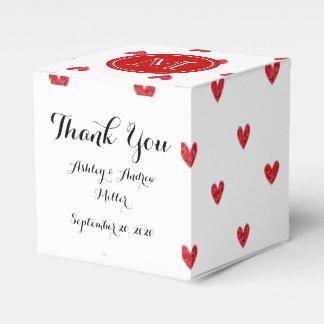 Corazones rojos del brillo con el monograma cajas para regalos de boda