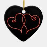 Corazones rojos y negros del remolino de las ornatos