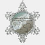 Corazones románticos en el ornamento del navidad d