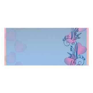 Corazones rosáceos y regalo azulado de la tarjeta  tarjetas publicitarias