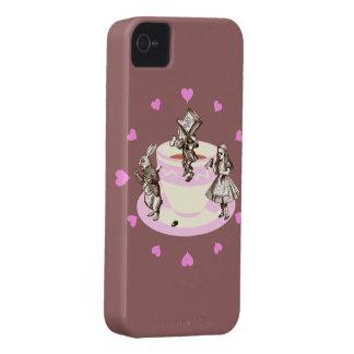 Corazones rosados alrededor de una fiesta del té e iPhone 4 Case-Mate carcasas
