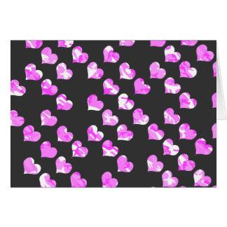 Corazones rosados del camuflaje tarjetas