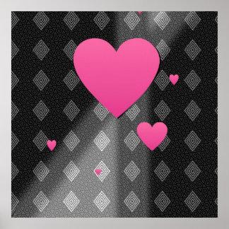 Corazones rosados en el regalo del modelo de los t impresiones