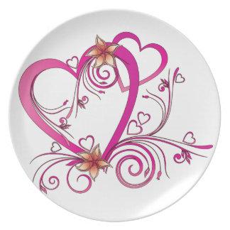 Corazones rosados ligados plato para fiesta