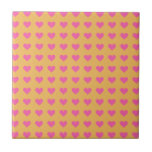 Corazones rosados simétricos en cera de abejas. Ma Azulejo Cuadrado Pequeño