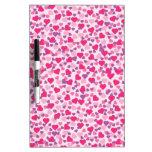 Corazones rosados y púrpuras de la tarjeta del día pizarras blancas de calidad