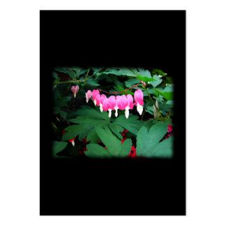 Corazones sangrantes. Flores rosadas Tarjeta De Visita