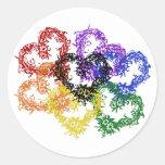 Corazones tejidos arco iris etiquetas redondas