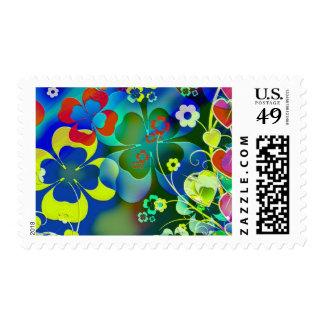 Corazones, tréboles y flores en arte abstracto sello postal