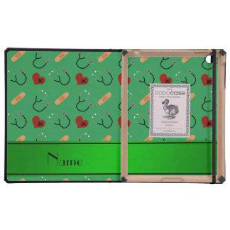 Corazones verdes conocidos personalizados del iPad fundas