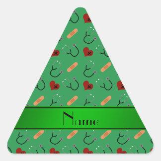 Corazones verdes conocidos personalizados del pegatina triangular