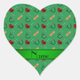 Corazones verdes conocidos personalizados del pegatina en forma de corazón