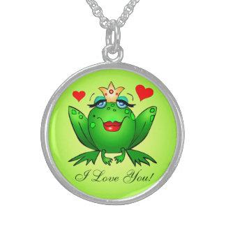 Corazones verdes de la rana de la princesa te amo  collar de plata esterlina