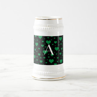 Corazones verdes negros del monograma taza de café