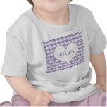 Corazones y camiseta en colores pastel del bebé de