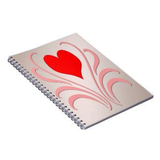 Corazones y cuaderno espiral de las vides
