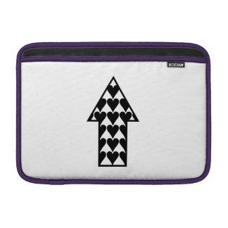 Corazones y flecha fundas MacBook