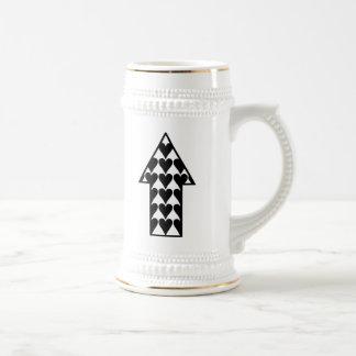 Corazones y flecha jarra de cerveza