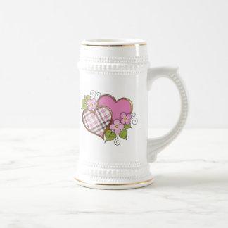 Corazones y flores - tela escocesa gris rosada taza