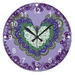 Corazones y modelo verdes púrpuras bonitos de los  reloj de pared
