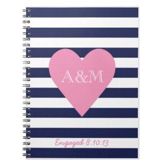 Corazones y rayas dedicados notebook
