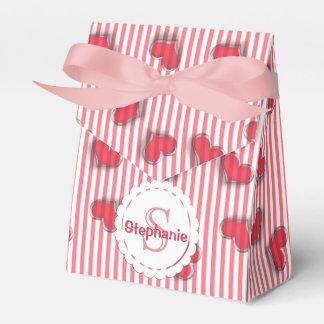 Corazones y rayas rosados del monograma caja para regalos