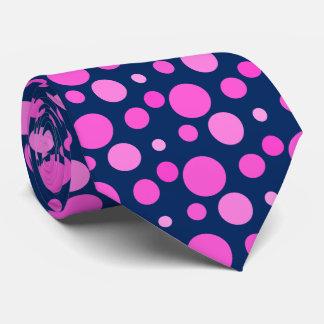 Corbata de los puntos rosados