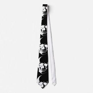 Corbatas negras y blancas del cráneo corbata