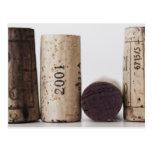 Corchos del vino con las fechas tarjetas postales