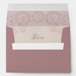 Cordón atractivo del rosa color de rosa sobres