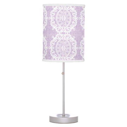 Cordón blanco elegante con en arpillera de la púrp lámpara de mesilla de noche