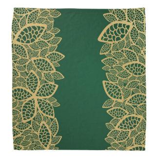 Cordón de oro de la hoja en fondo verde
