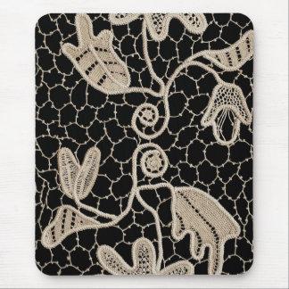 Cordón elegante del ganchillo tapetes de raton