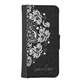 Cordón floral blanco elegante 2 sobre fondo negro funda billetera para teléfono