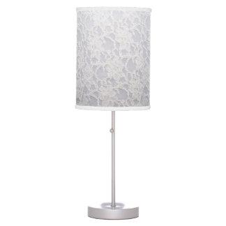 Cordón floral blanco precioso romántico lámpara de mesa