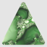 Cordón hermoso del fractal de la menta verde pegatina triangular